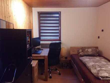 Ruhiges Zimmer, eigenes Bad, eigene Etage