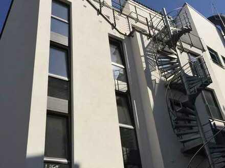 Erstbezug: stilvolle 5-Zimmer-Penthouse-Wohnung mit Balkon in Bonn
