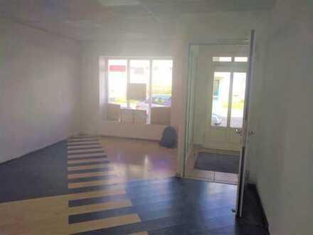Zentral gelegene Ladenfläche als Büro oder Praxis geeignet