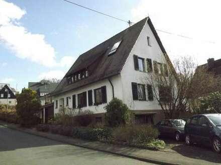 Klassisch schön! Großzügiges, attraktives 2-Fam.-Haus in Netphen (Nähe Zentrum)