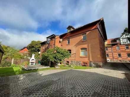 Wohnimmobilie mit 3 Wohnungen in Top-Lage