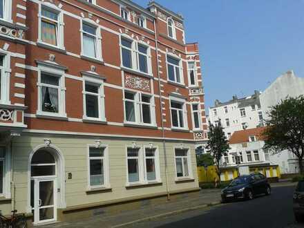 4-ZKB-Wohnung mit Balkon in der Südstadt zu vermieten