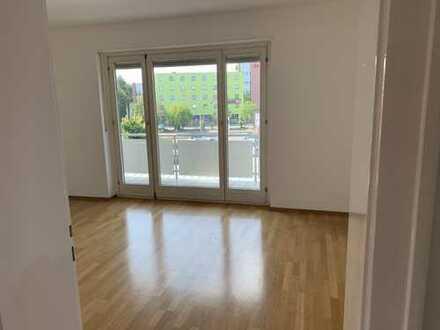 Sonnige, helle drei Zimmer Wohnung in Ingolstadt, Nordost