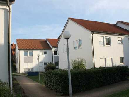 Kleine Wohnung in ruhiger und grüner Lage mit Einbauküche