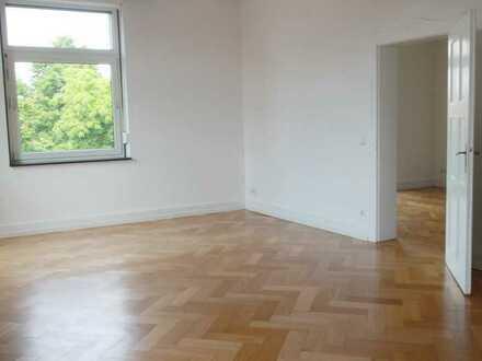 Helle, geräumige 4-Zimmer Wohnung in Karlsruhe, Weststadt, Musikerviertel