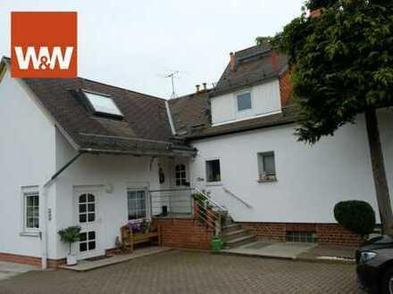 Einfamilienhaus mit zwei Einliegerwohnungen  Vielseitig für Gewerbe und Privat