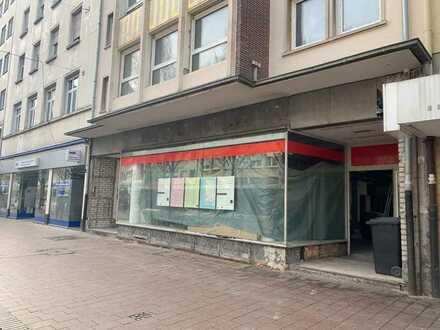 Gewerbeeinheit in 1A Lage mit Büros im 1. OG und eigenem Keller in der Fussgängerzone zu verkaufen
