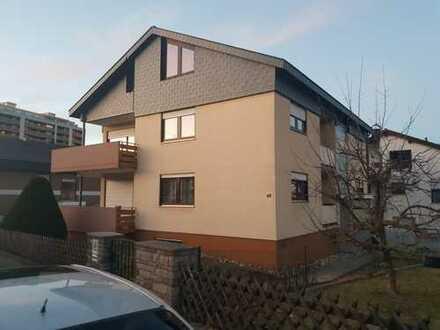 Stilvolle, gepflegte 4-Zimmer-Wohnung mit Balkon und EBK in Böblingen