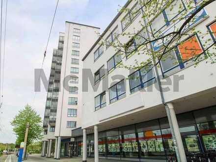 Über den Wolken von Leipzig: Vermietete 2-Zi.-ETW mit Balkon und TG-Stellplatz in Grünau-Mitte