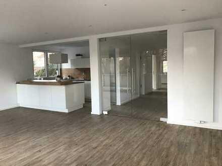 Erstbezug nach Sanierung: eindrucksvolle 3-Zimmer-Wohnung mit EBK und Balkon in Hannover