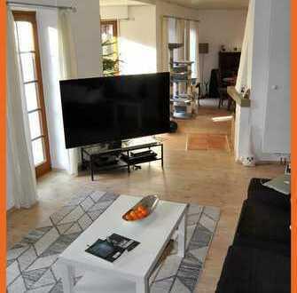 Wieso eine Wohnung wenn es auch ein Haus sein kann! EFH 6 Zi, 2 Bäder, Gäste-WC, Balk., KG, EBK
