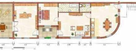 Preiswerte, geräumige und gepflegte 3-Zimmer-Terrassenwohnung mit Balkon und EBK in Angermünde