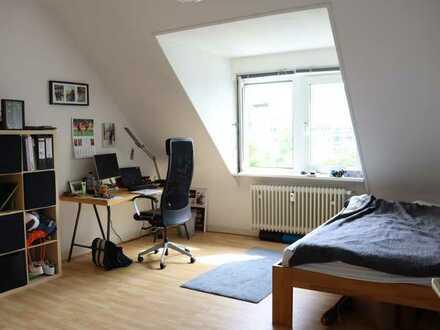 Große drei Zimmer Wohnung nahe Alte Feuerwache