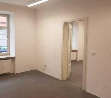 Kleiner, modern renovierter Laden mit 2-Zi.-Wohnmöglichkeit