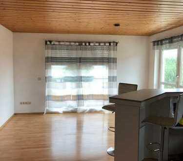 Gepflegte 2-Zimmer-Wohnung mit Balkon und EBK in Breitenfürst