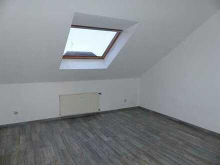 Sehr große Dachgeschosswohnung KDB - 121,25 qm