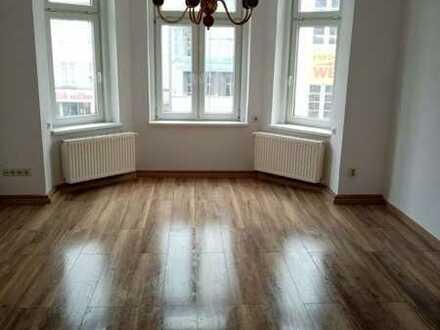 Sanierte 4-Raum Wohnung mit Balkon und Gartennutzung-Auf Wunsch mit Einbauküche!