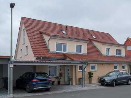 Sehr attraktive DHH mit 5 Zimmern, EBK, Carport in Weisendorf