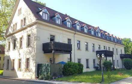 Großzügige, helle 3-R-Maisonette im DG, Villenviertel, Garage, EBK, Kü+Bad m. Fenster, Laminat