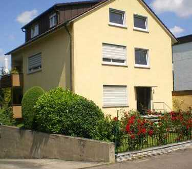 Helle 3-Zi-DG Wohnung in Asperg