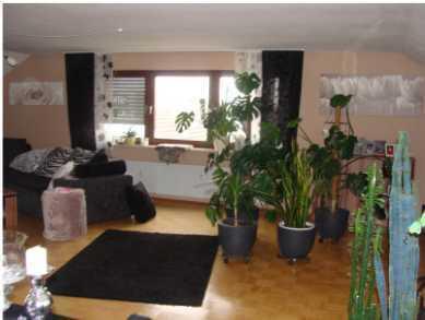 Gepflegte 4,5-Raum-Dachgeschosswohnung mit Balkon und Einbauküche in Ilshofen