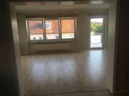 Gepflegte 5-Zimmer-Wohnung mit Balkon und EBK in Stockstadt