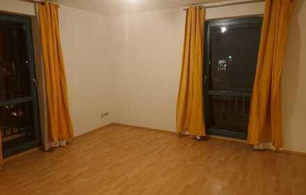 Schöne 1-Raum-Wohnung im 1. OG links mit Balkon und EBK