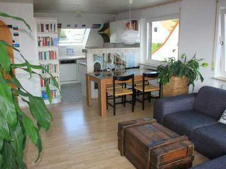 Helle 4-Zimmer-Maisonette-Wohnung in Esslingen, ruhige Lage am Hang mit spektakulärer Aussicht