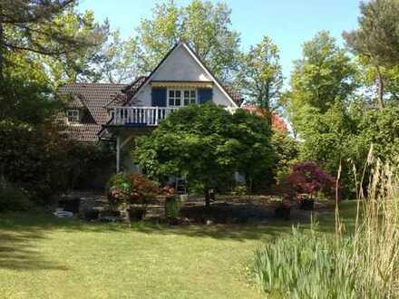 Courtagefrei - Charmantes Landhaus auf ca. 15.000 qm parkähnlichem Anwesen - ideal zur Pferdehaltung