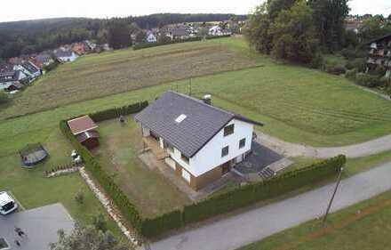 Traumhafte Lage – EFH mit ELW und insgesamt 218qm Wohnfläche