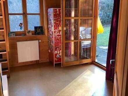 Schönes Zimmer in gemeinsamen Haus mit Garten in Heimerdingen bei Ditzingen zu vermieten