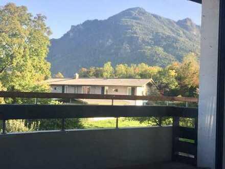 Exklusive, neuwertige 2,5-Zimmer-Wohnung mit Balkon und Einbauküche in Brannenburg