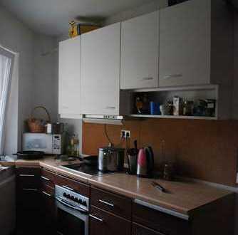 Frauen-WG (3 Zimmer) sucht Mitbewohnerin (provisionsfrei)