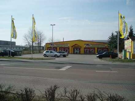 Gewerbeeinheit mit Stellplatzfläche zum Verkauf