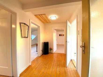 Charmante 3-Zimmer-Dachgeschosswohnung