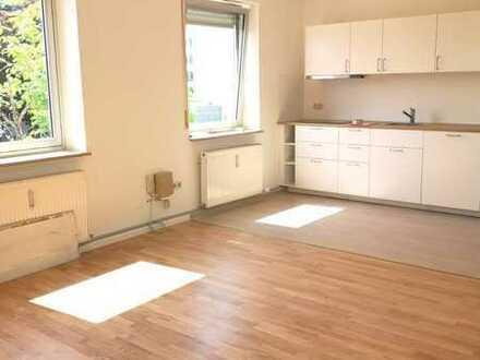 Gilching/Großzügig Wohnen auf 80 m², 2-Zimmer-Wohnung incl. Wohnküche, DU/WC, neu modernisiert