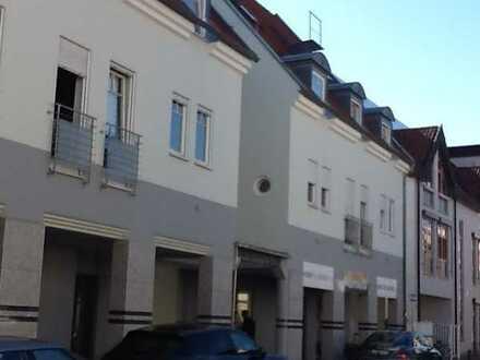 Vollständig renovierte Maisonette-Wohnung mit vier Zimmern und Balkon in Schifferstadt