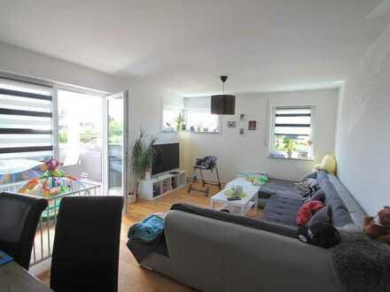 Neuwertige 3-Zimmerwohnung mit Carport