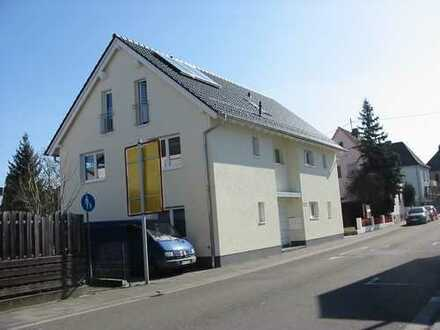 Gepflegte 4-Zimmer-Wohnung mit Terrasse und EBK in Landau-Queichheim