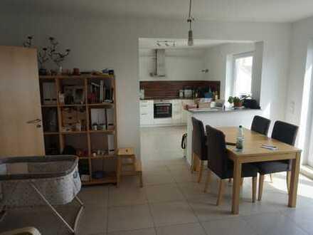 Neuwertige 3-Zimmer-Wohnung mit Balkon in Mainaschaff