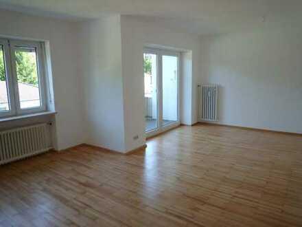 Ch.Schülke-Immobilien; Moosburg! Gut geschnittene 3-Zi-Wohnung mit Balkon