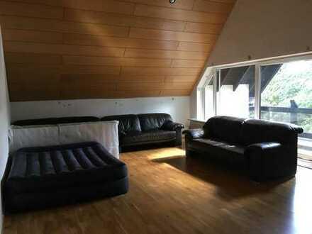 950 €, 106 m², 2 Zimmer