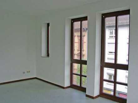 POCHERT HAUSVERWALTUNG - Hübsches großes 1-Zimmer-Apartment in Kaiserslautern - Eisenbahnstraße