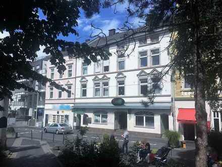 Bonn-Zentrum - Gründerzeit Wohn- und Geschäftshaus in zentraler Lage mit Tiefgaragenstellplätzen