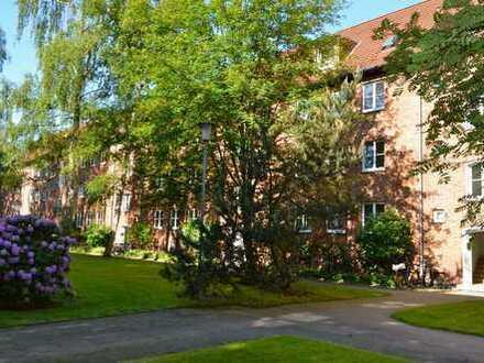 Ottensen/Othmarschen, Lisztstraße, sanierte 2-Zimmer-Wohnung mit großem Balkon