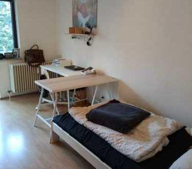Stilvolle, gepflegte 1-Zimmer-Wohnung mit Balkon und Einbauküche in Mannheim ZUR ZWISCHENMIETE!