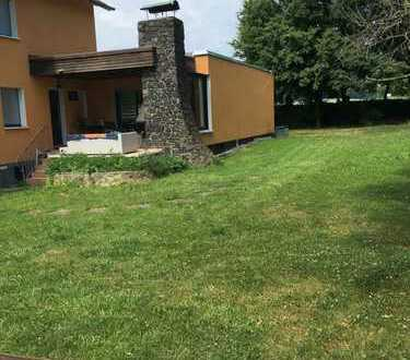 4-Zimmer-Maisonette-Wohnung 200qm mit großem Garten
