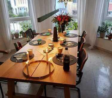 Wunderschöne 5-Zimmer-Wohnung mit Balkonen und attraktiver Lage