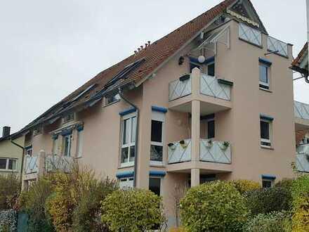 Charmante und helle Maisonette 3,5-Zimmer-Wohnung mit 3 Süd-Balkonen in Freiburg St. Georgen