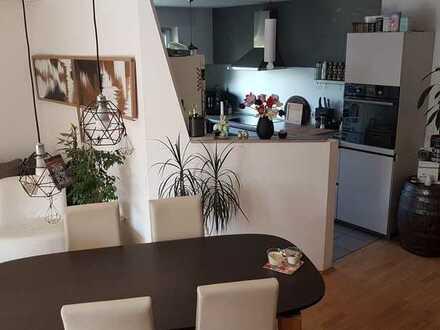Mitbewohner/in für schöne große Wohnung, in Hürth gesucht!!!